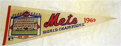 "1969 NEW YORK METS ""WORLD CHAMPIONS"" PHOTO PENNANT"