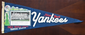 1962 NY YANKS WORLD SERIES TEAM PICTURE PENNANT